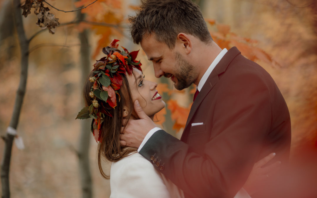 Ślub jesienią – dlaczego todobry pomysł? 5 powodów