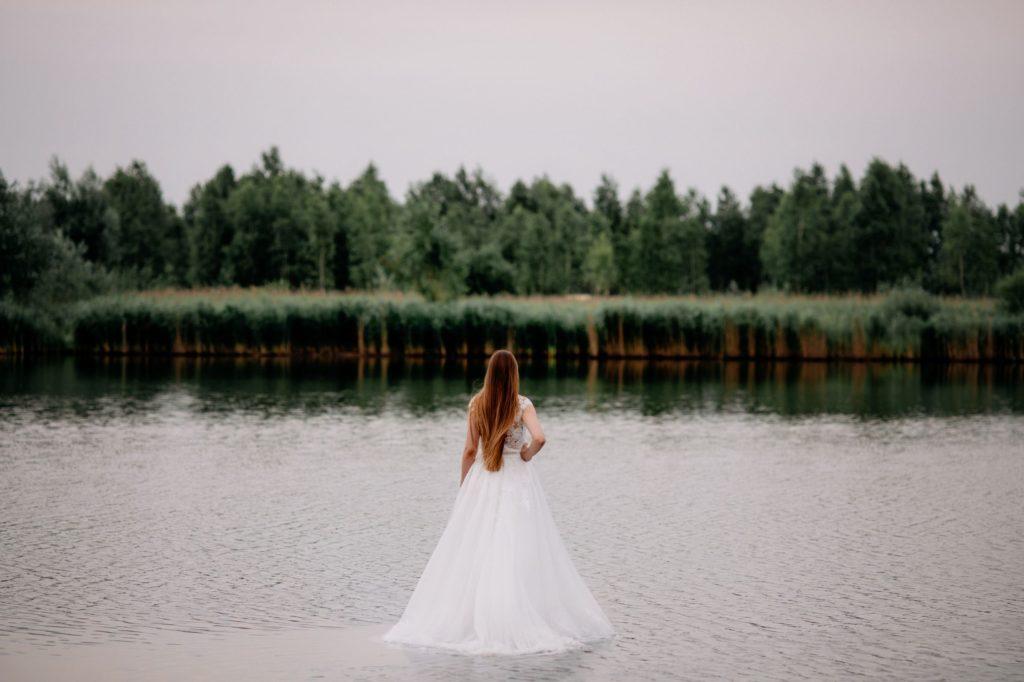 leśna sesja ślubna