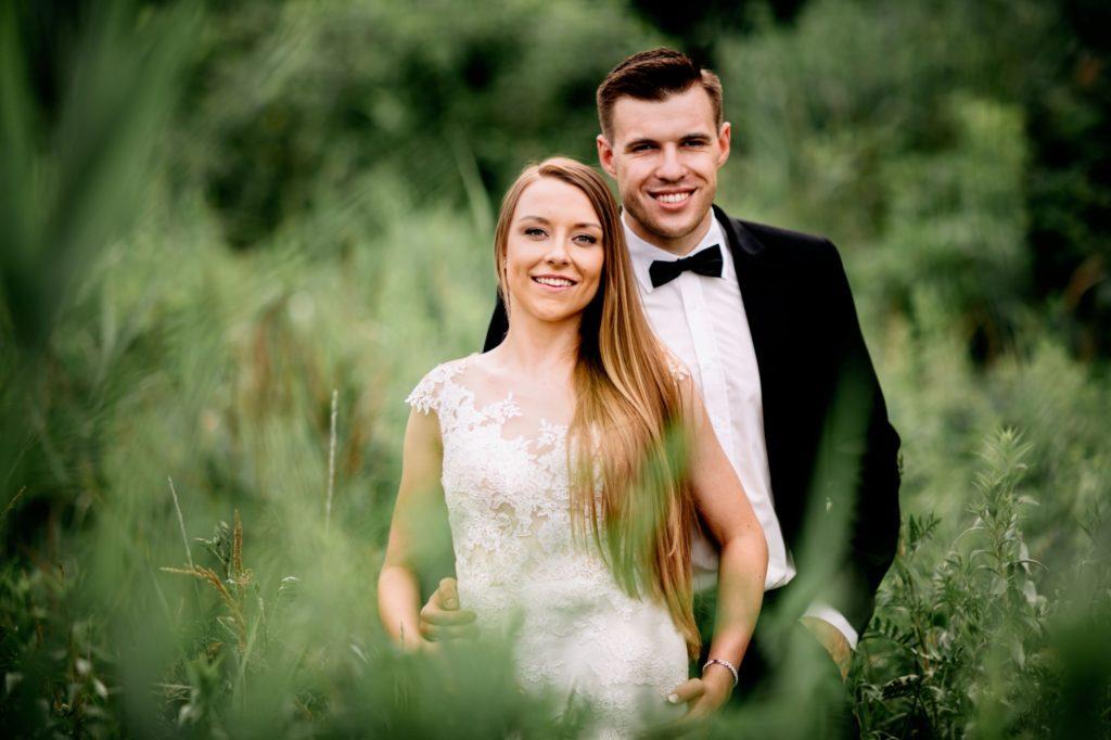 plener ślubny wśród przyrody