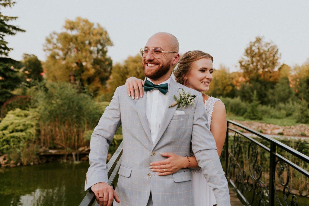 ślub latem - Państwo Młodzi